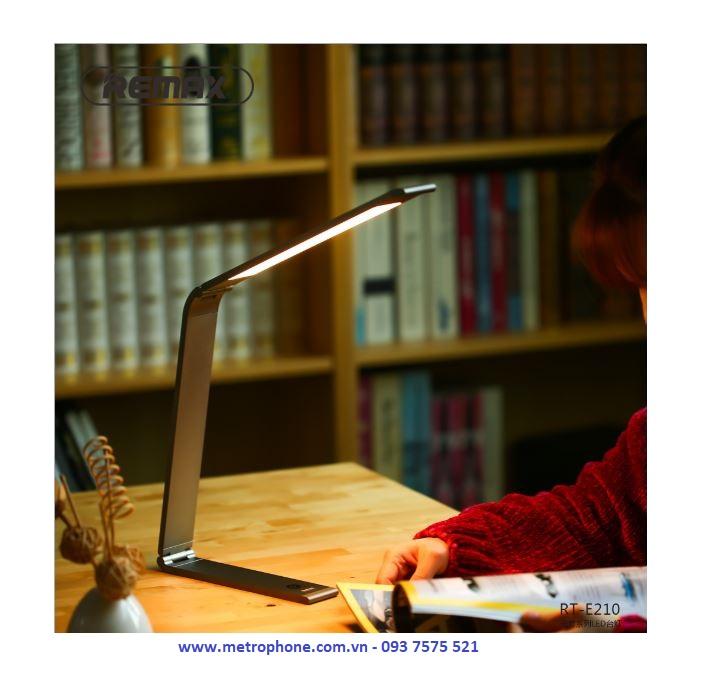 Đèn Led Hợp Kim Nhôm Remax RT-E210 ( 3 Chế Độ Đèn Cảm Ứng ) metrophone.com.vn