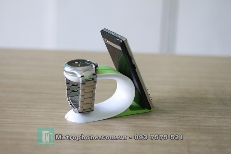 [5943] Kệ Để Apple Watch Và Điện Thoại Loại Cao Su metrophone.com.vn