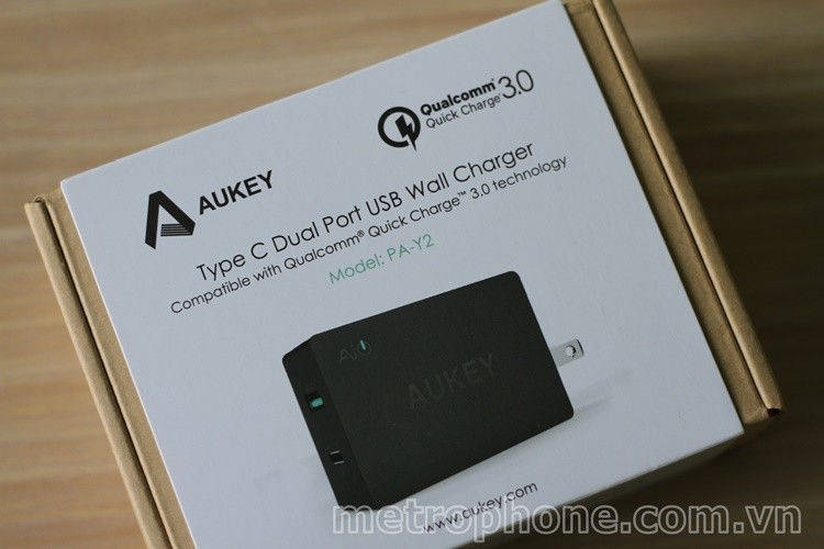 [1010] Củ sạc Aukey 2 cổng PA-Y2 Qualcomm QC 3.0 Type-C và USB - Metrophone.com.vn