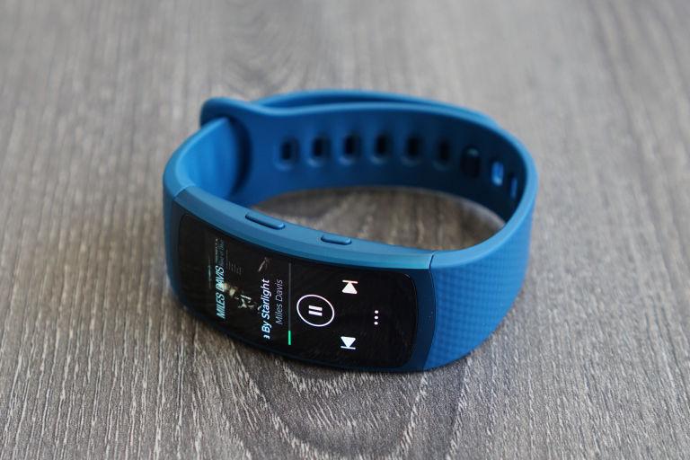 [2815] Dây Đeo Samsung Gear Fit 2 ( Dây Nhựa Nhiều Màu Sắc ) - Metrophone.com.vn