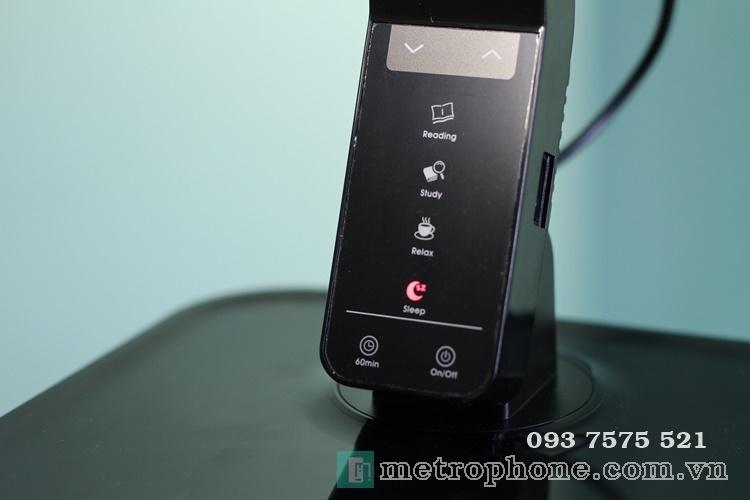 [674] Đèn Bàn Aukey LT-T1 Chống Cận Và Có Cổng Sạc USB - Metrophone.com.vn