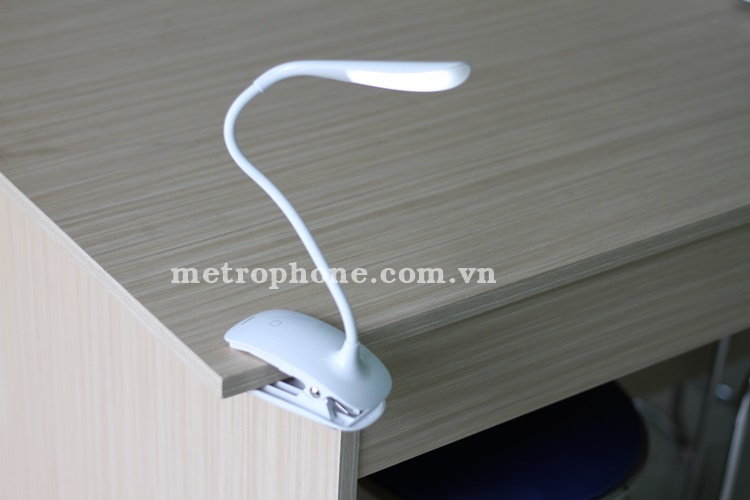 [1957] Đèn LED Remax Milk Light Để Bàn Và Kẹp Bàn Có Thể Uốn Dẻo 360 Độ - Metrophone.com.vn